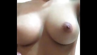 Arab girl on cam shows her tits