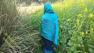 Indian Duo Injoy Outdoor Sex In Village