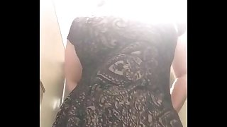 Desi Mummy unclothing and recording - IndianHiddenCams.com