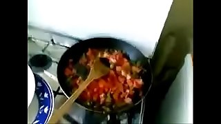 Desi bhabhi fellating while cooking
