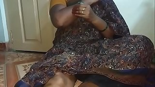 Real Indian gigantic boobs aunty